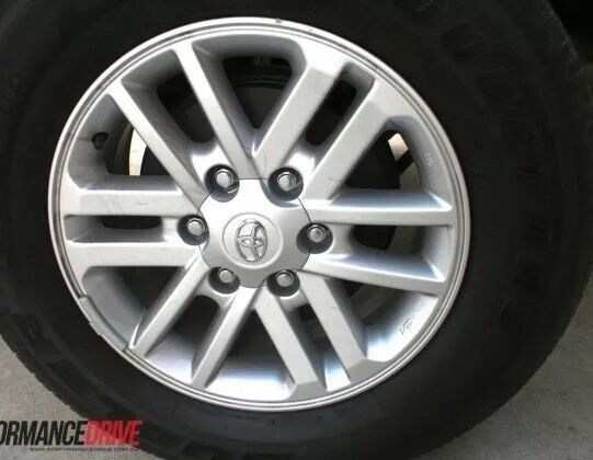 Toyota Hilux SR5 2012-2015 Genuine Alloy wheel with tyre X 1 ONLY
