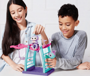NEW WowWee Fingerlings Monkey Bar Playground Playset + 2 Interactive Motion Toys