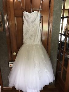 New-Oleg-Cassini-Strapless-Wedding-Dress-In-Ivory-Size-Zero-Petite-Never-Worn