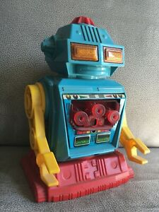 ANCIEN-ROBOT-JOUET-ROBOT-TOY-BATTERY-OPERATED-VINTAGE-HORIKAWA