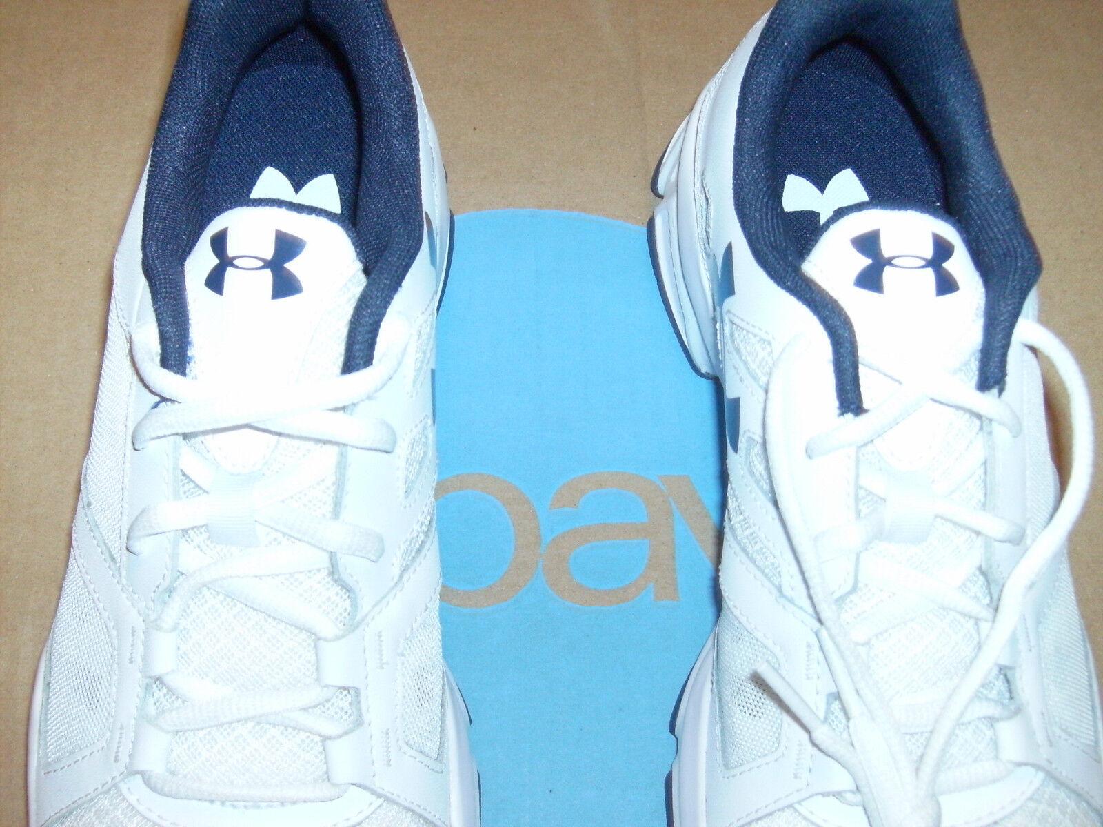 Under Armour  Uomo Größe Zone 2 Training Schuhes Größe Uomo 8.5 Med Brand New Weiß/ Blau Logo. 826fc3