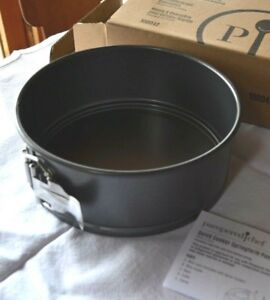 Pampered Chef QUICK COOKER Accessory ~NEW~ FLUTED CAKE PAN Lifting RACK