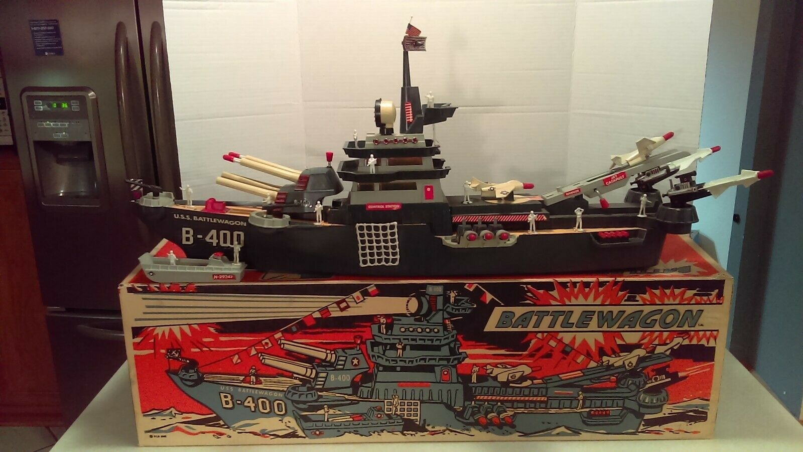 1963 Deluxe Reading Toys Toys Toys USS Battlewagon 400 Ship Battery Operated Complete Box 3355a9