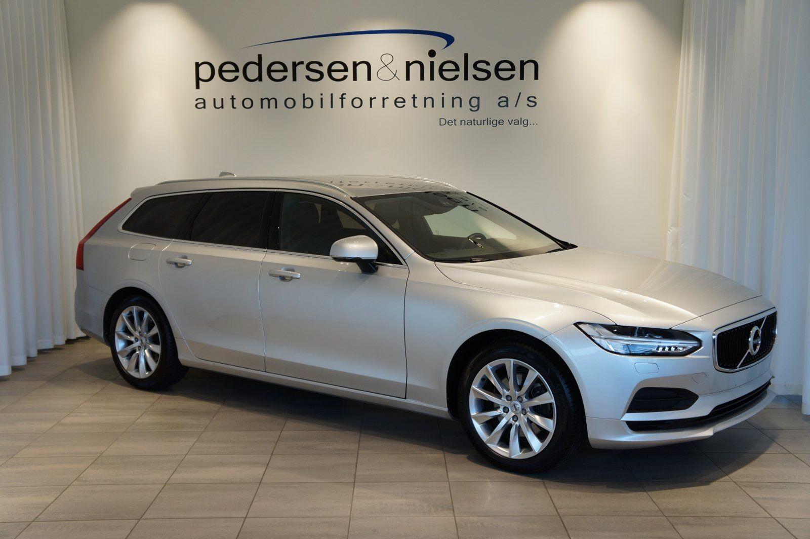 Volvo V90 2,0 D4 190 Momentum aut. 5d - 449.900 kr.