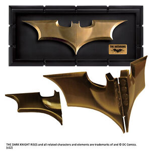 BATMAN-The-Dark-Knight-Rises-The-BATARANG-Prop-Replica-with-Display-Case