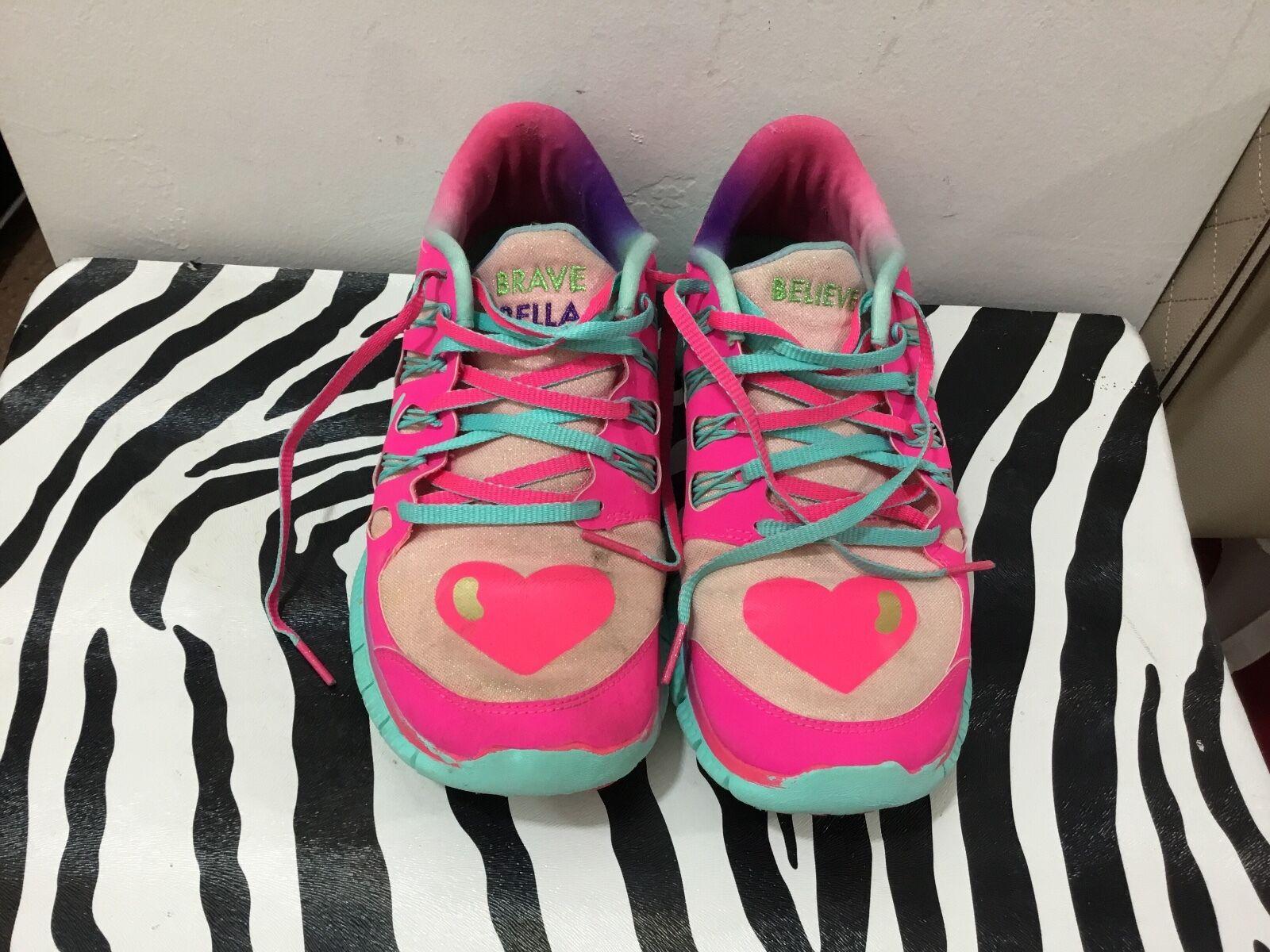 Nike ladies size 8.5 limited edition Doernbecher freestyle designer 2013 Bella a