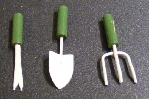 1:12 Scale Set Of 3 Small Green Garden Tools Dolls House Miniature Accessory
