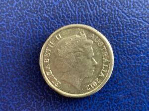 2012-AUSTRALIAN-2-DOLLAR-REMEMBRANCE-CIRCULATED