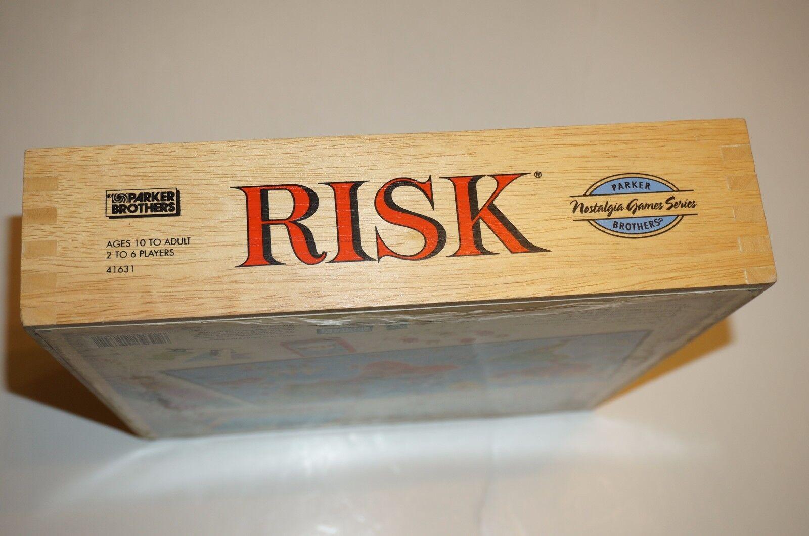 Risk Nostalgia Game Series Bookshelf 2003 Hasbro WOODEN Pieces in in in Wood box ca956c