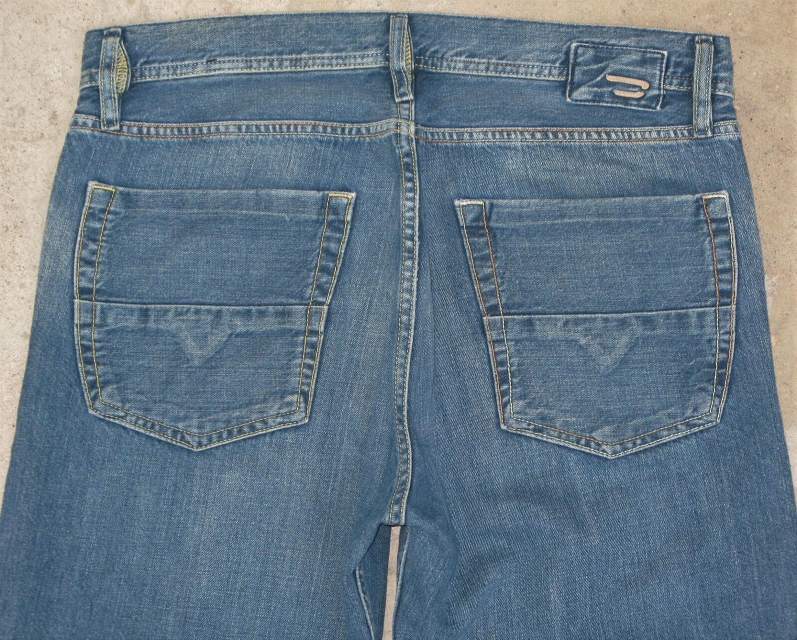Diesel Mens Kuratt Jean Sz 31 X 32 Slightly Relaxed Straight Distressed Wash 832