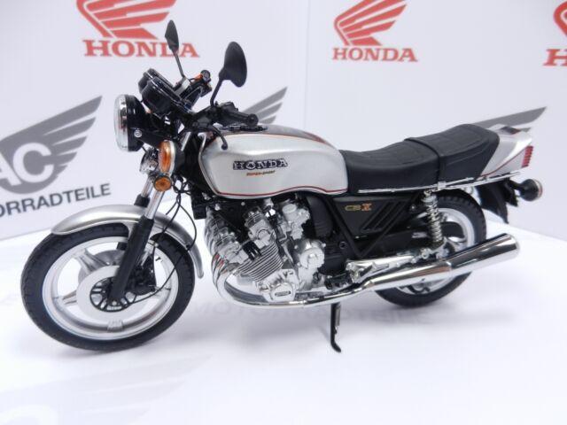 Honda CBX1000 1978 Silber Modell 1:12 Minichamps