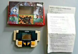 039-Challenger-039-80s-electronic-handheld-LCD-game-like-Nintendo-game-amp-watch