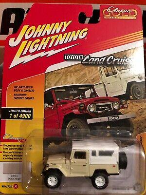 Johnny Lightning Toyota Land Cruiser Dune Beige Soft-top Gold Collection