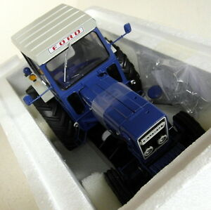UH-1-16-Scale-2799-Ford-7600-with-Cabin-Blue-White-diecast-model-Farm-Tractor