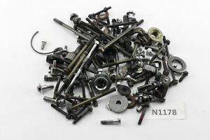 Kawasaki-GTR-1000-ZGT00A-Bj-1988-Motorschrauben-Reste-Kleinteile-N1178