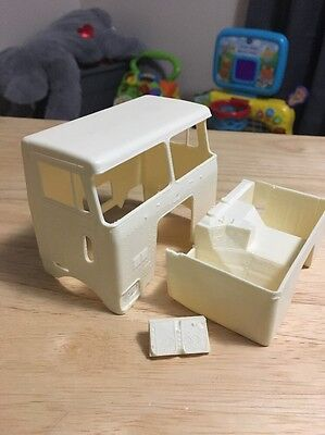 RESIN PETERBILT CABOVER DAY CAB COE Split Rear Window 1/25 Model Truck