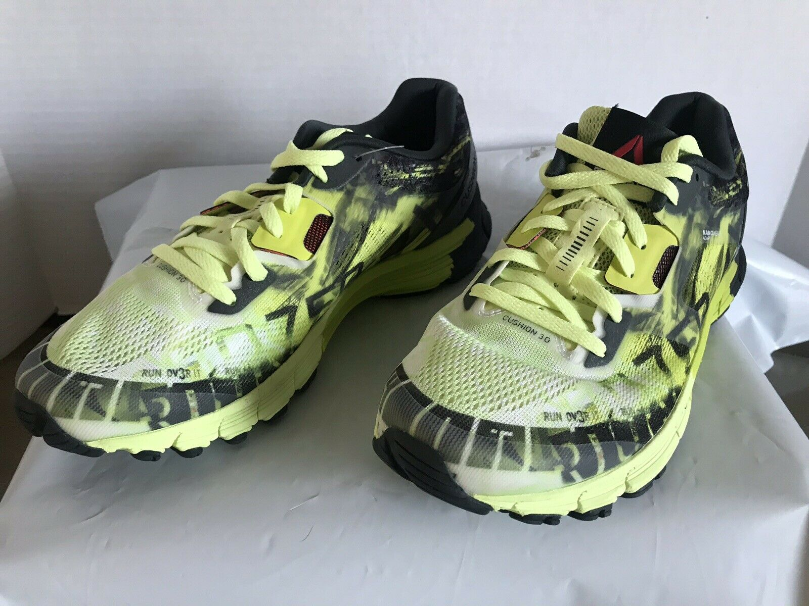 Reebok Lths One Cushion 3.0 Ag, Women's Running shoes size 7 volt