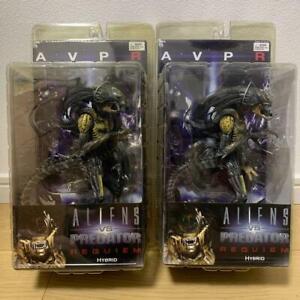 Neca-Aliens-vs-Predator-Requiem-Hybrid-Predalien-Closed-amp-Opened-Mandibles-2SET