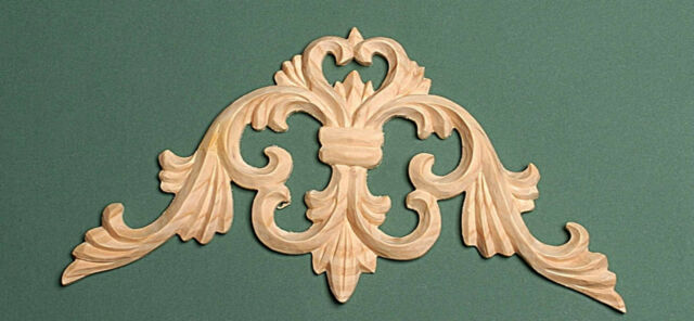 Decorative Hand Carved Pine centre piece (106)