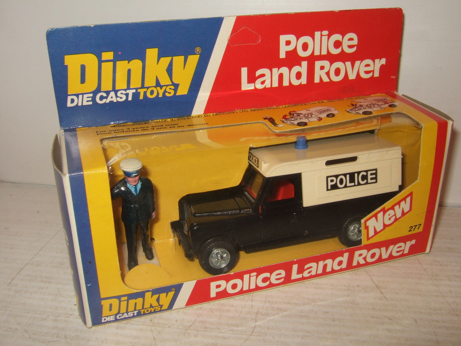 Rare Vintage Dinky Toys 277 Land Rover Police Car and features & Police Figure