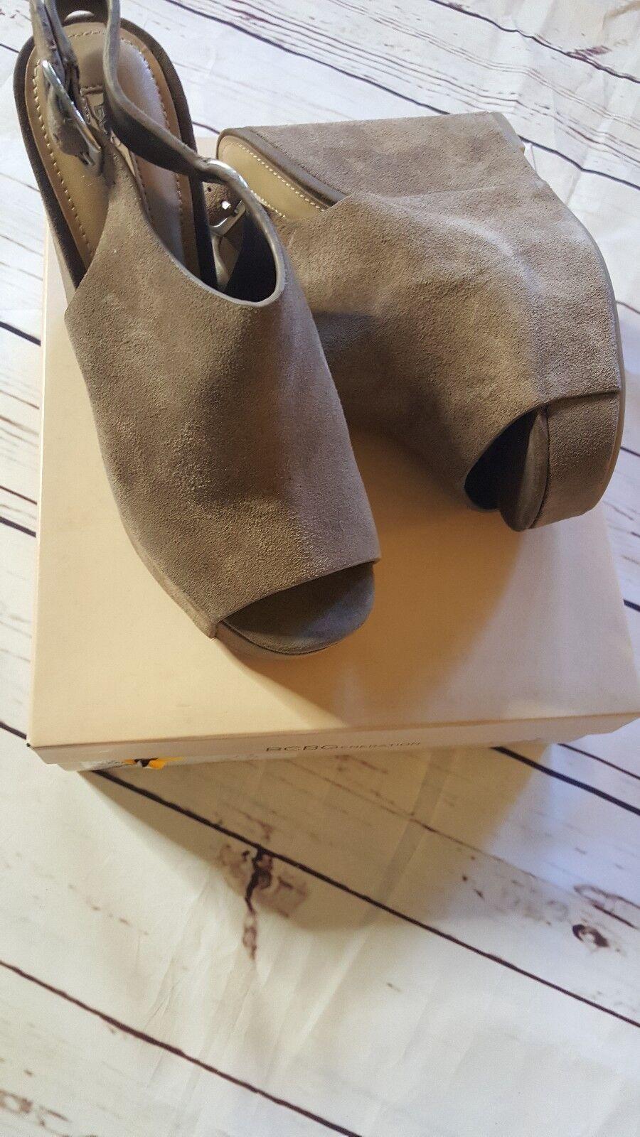 New NIB BCBG generation TAN Taupe SUEDE WEDGE PLATFORM SHOES SIZE 8 heels