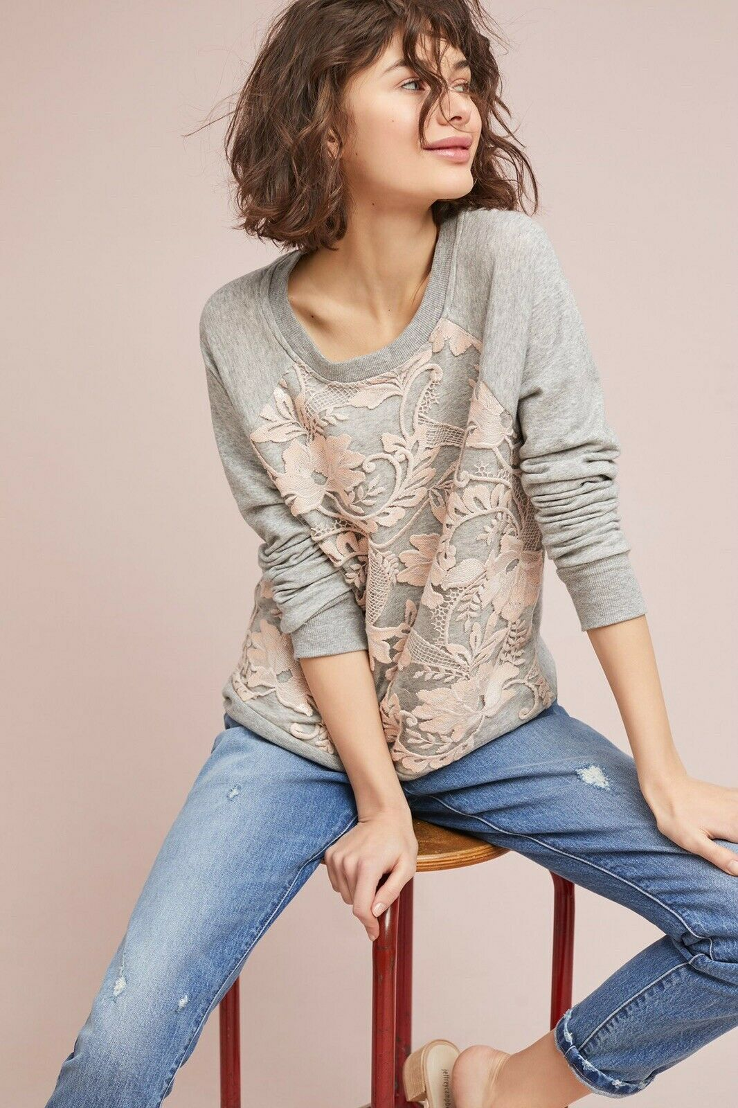 ANTHROPOLOGIE NWT EVA FRANCO Manor SWEATSHIRT Sz. L grau with Rosa LACE top