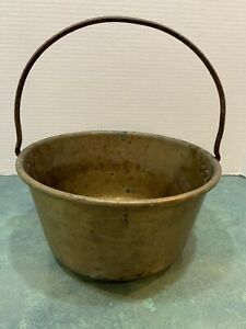 Vintage-Brass-Metal-Pot-Bucket-Kettle-Country-with-Fixed-Iron-Handle-3-Cracks