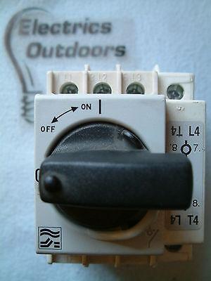 SOCOMEC m1 tipo AR 32 Amp Triplo 3 POLI Isolatore Interruttore ac22a con 63 Amp Add On