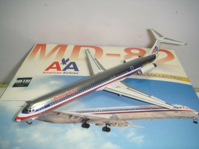 Dragon Dragon Dragon Wings American Airlines AA MD-82  1990s colors - Polish Fuselage  1 400 67b381