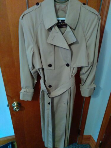 Etienne aigner Trenchcoat Beige belted With leathe