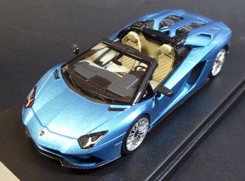 LAMBORGHINI AVENTADOR S ROADSTER bleu AEGIR Looksmart LS482A