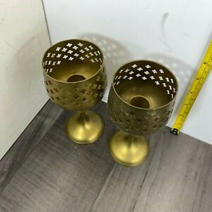 Pair-of-Authentic-Vintage-Brass-Goblet-Candle-Holders-Candlesticks-6in-Tall-Rare