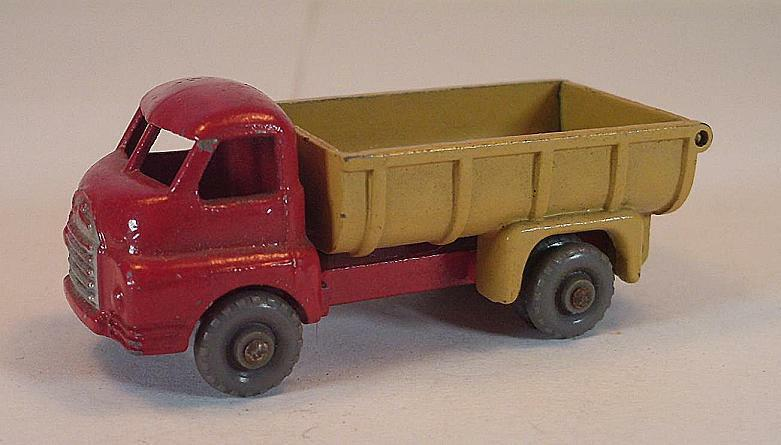 MATCHBOX regular WHEELS n. 40 a Bedford 7 ton Tipper rosso/Tan GPW LESNEY 1 205