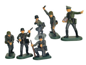 BRITAINS-SUPER-DEETAIL-WWII-German-Army-6-Painted-Toy-Soldiers-1-32-FREE-SHIP