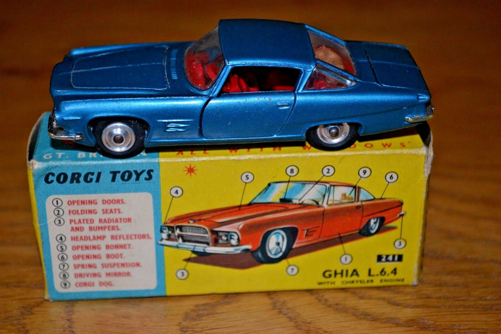 CORGI 241 GHIA L.6.4 auto; scatola originale; buone condizioni