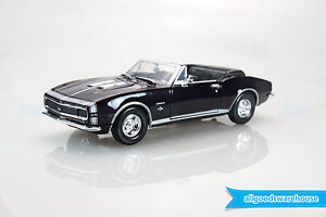 1967 Chevy Camaro SS Convertible 1:24 scale Classic diecast model hobby car