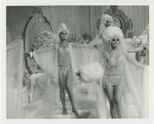 INGA-NEILSEN-ALENA-JOHNSTON-original-SEXY-movie-photo-1968-FUNNY-GIRL