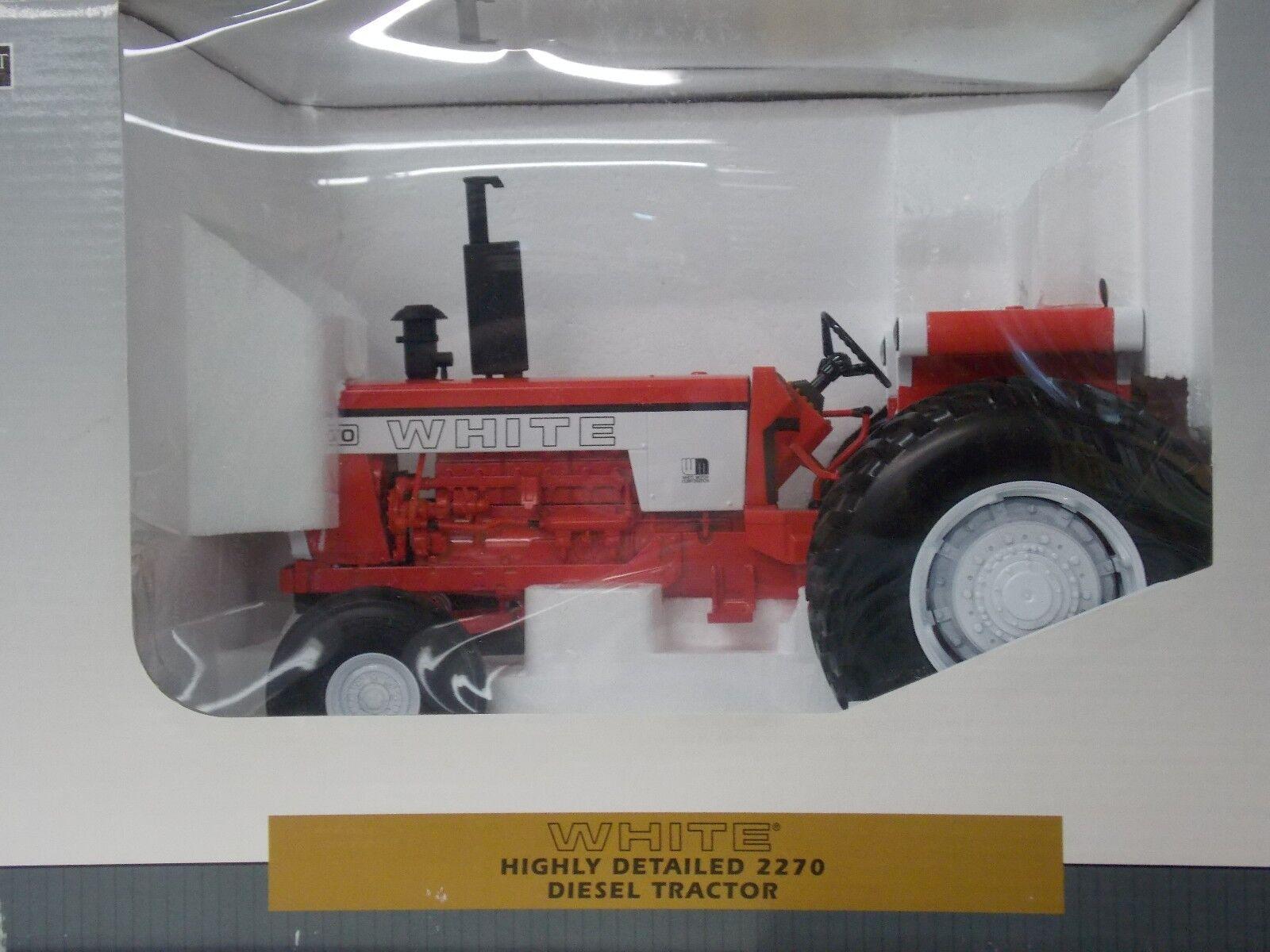 Blanc très détaillé 2270 Diesel Tracteur