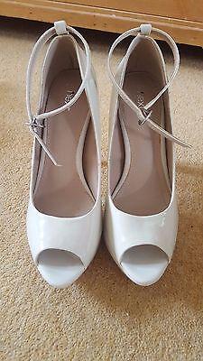 Zapatos de tacón alto * última Patente Nude Peep Toe BNWOT