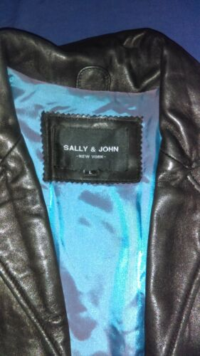 Sally and John Women's leather trenchcoat size L