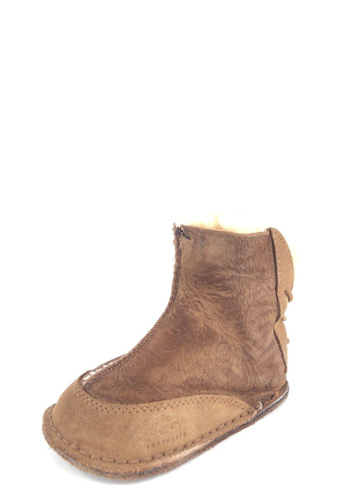 721a32b260d UGG Australia Baby Boo 5206 Medium Chestnut Sheepskin BOOTIES Size M *