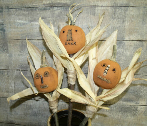 PATTERN~MY PRIMITIVE SALTBOX//FALL//HALLOWEEN//PUMPKIN//pokes//corn husk//jacks//pt112