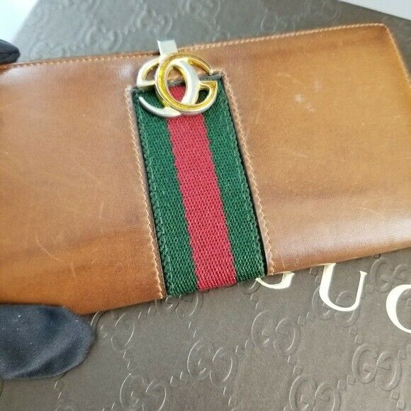 GUCCI  Beautiful  Vintage Classic Gucci wallet - image 11