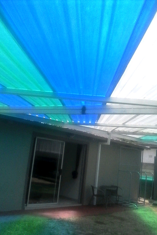 Polycarbonate and Fibreglass roof Sheets