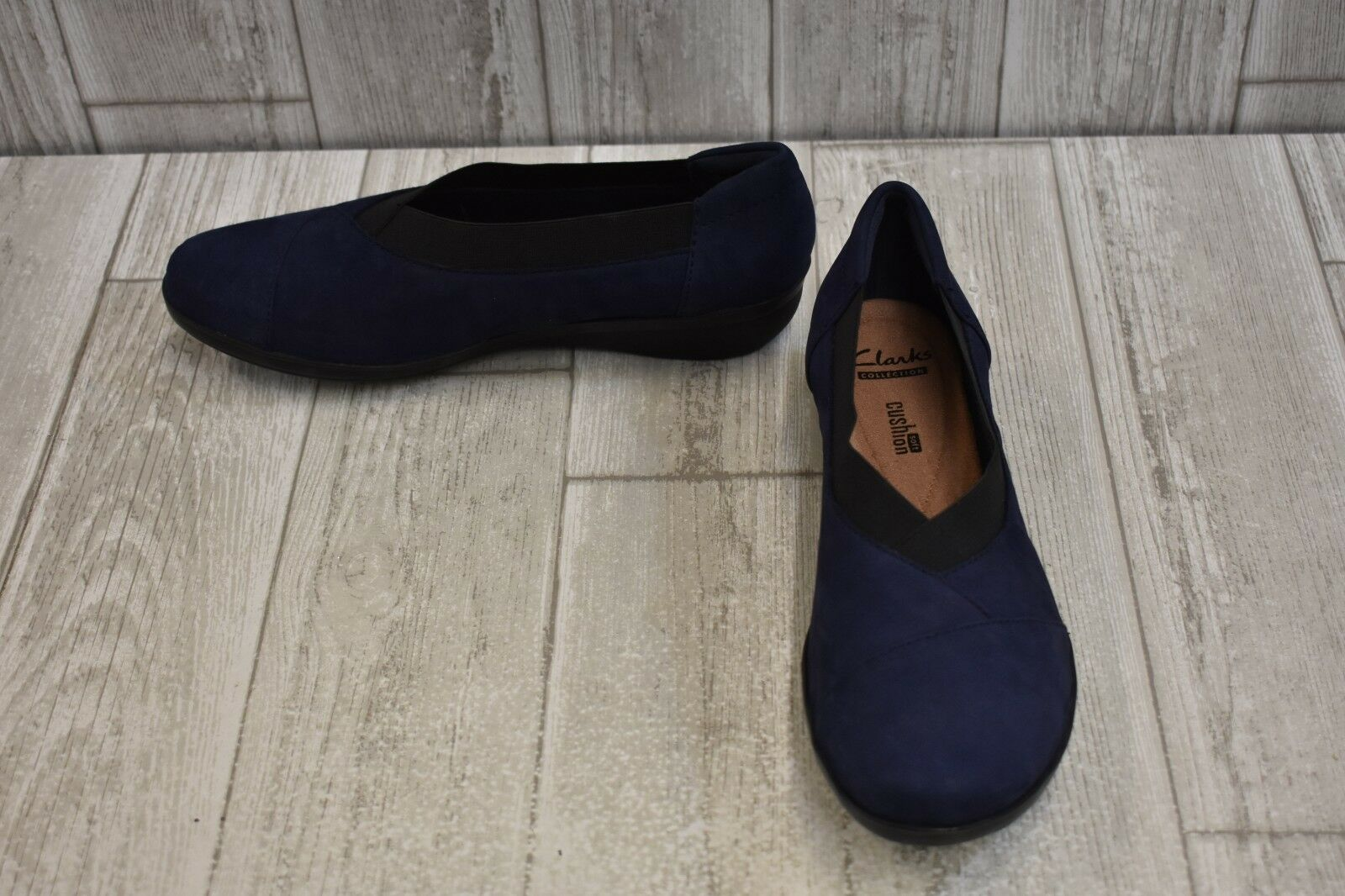 CLARKS Everlay Eve Slip-On Loafer - Women's Size 8M Navy