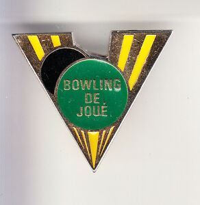 RARE-PINS-PIN-039-S-SPORT-BOWLING-CLUB-TEAM-JOUE-LES-TOURS-37-CB
