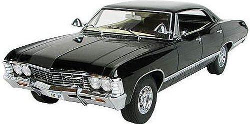 1967 Chevrolet Impala Sport Sedan 1:18 Greenlight 19001