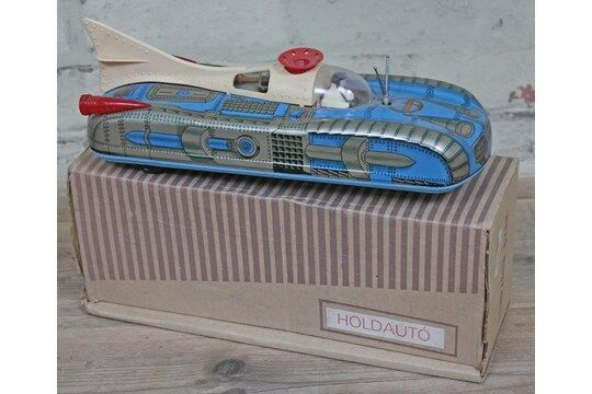 VINTAGE HUNGARIAN HOLDAUTO INTERKOZMOSZ LEMEZARU GYAR TIN LITHO TOY SPACE CAR
