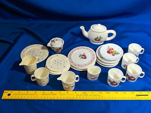 Large-LOT-VTG-Childrens-Toy-Tea-Set-Plastic-Porcelain-80s-90s-Chilton-Globe