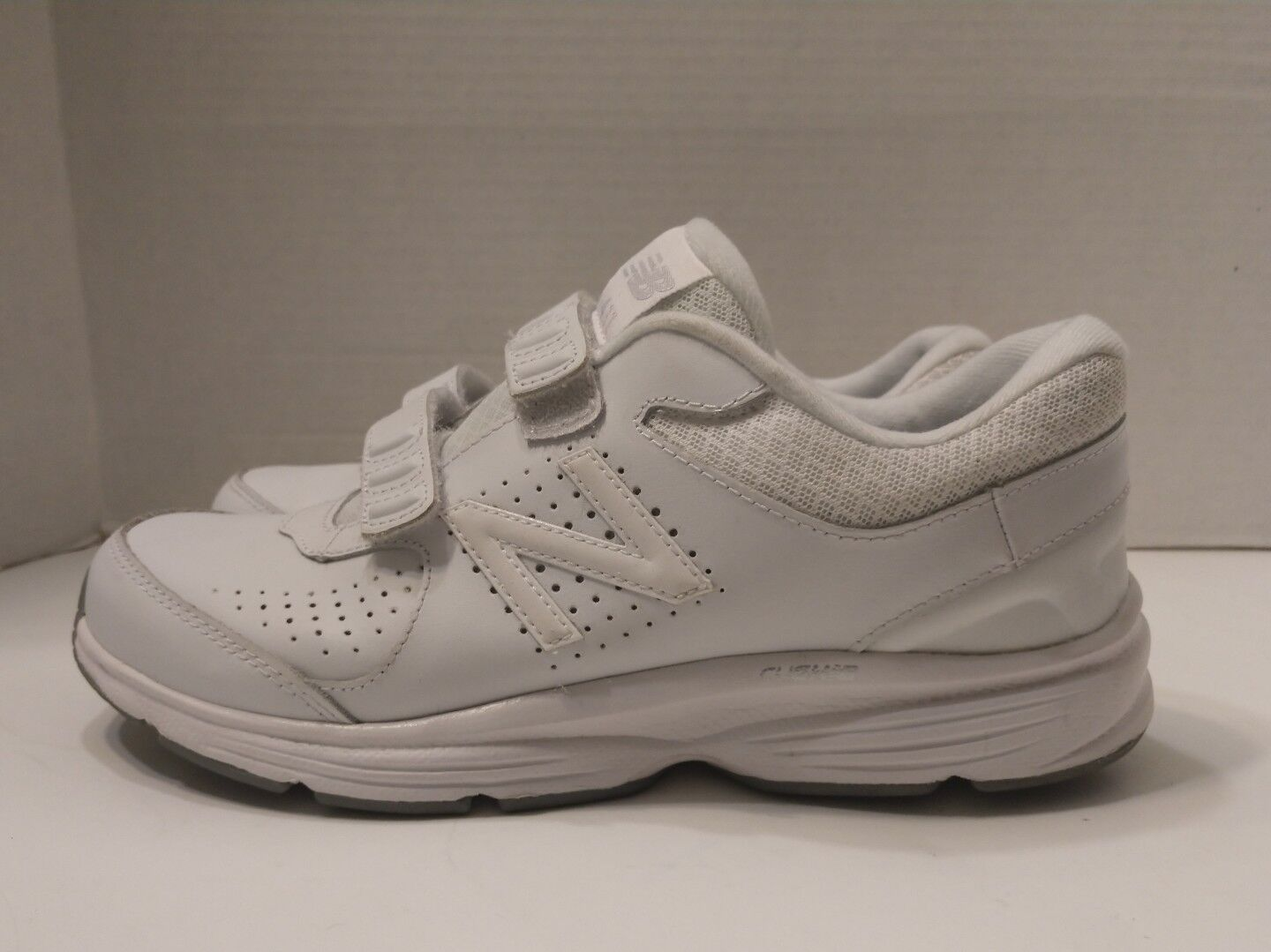 New Balance Women's Ww411v2 White Leather Casual Walking shoes